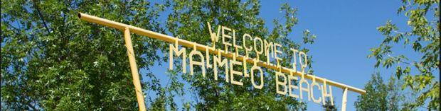 welcome to ma me o beach sign